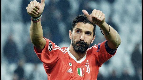 Portiere Juve restituisce omaggio a Rakitic, un grande campione
