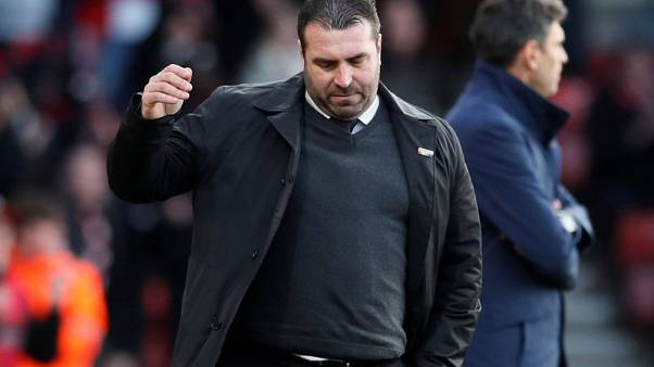 Soccer Football - Premier League - Southampton vs Everton - St Mary's Stadium, Southampton, Britain - November 26, 2017   Everton caretaker manager David Unsworth looks dejected     REUTERS/David Klein