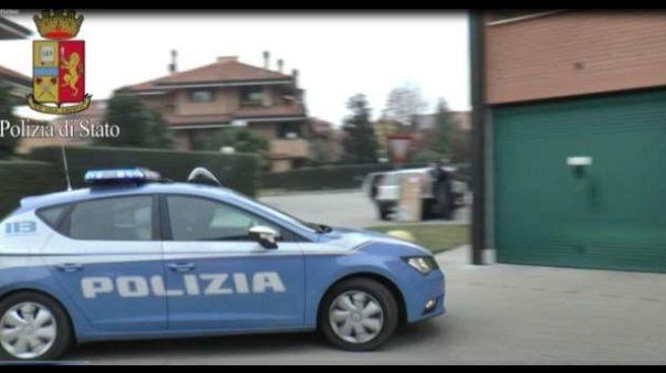 Sono di proprietà di Giuseppe Grillo, parente dei boss Papalia