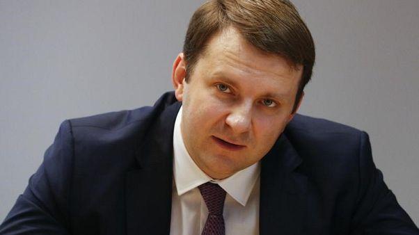 وزير: اتفاق أوبك لخفض إنتاج النفط يؤثر على اقتصاد روسيا
