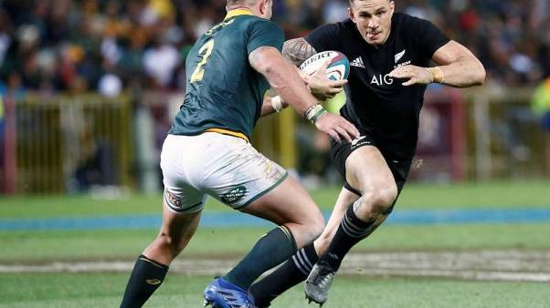 Rugby - South Africa hand first starts to Du Preez, Gelant
