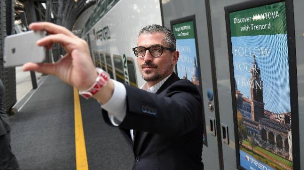 'Sesso in cambio fondi',indagato sindaco