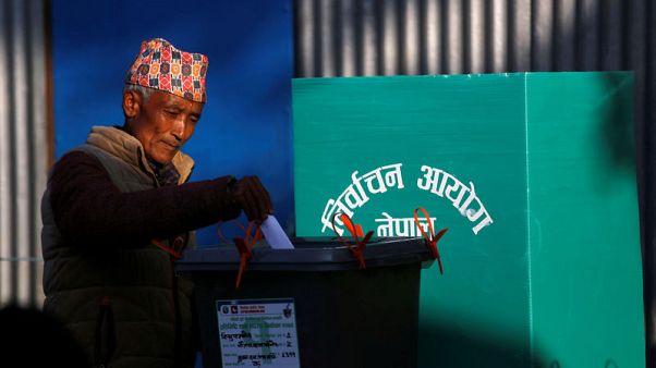 بدء التصويت في انتخابات تاريخية في نيبال