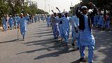 اشتباكات بين الشرطة وإسلاميين في باكستان والجيش يلتزم الصمت