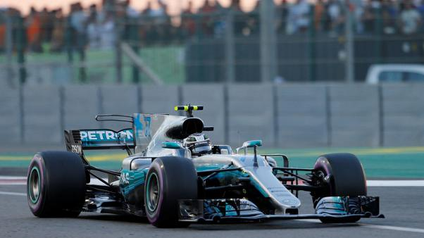 بوتاس يجعل هاميلتون يكتفي بالمركز الثاني في ختام فورمولا 1