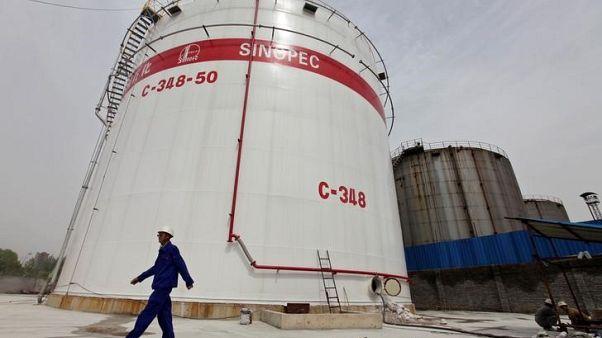 مخزونات النفط الصينية تهبط لأدنى مستوى في أكثر من 7 سنوات