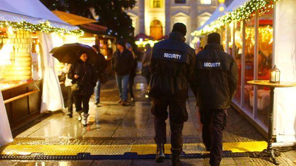 فتح أسواق عيد الميلاد بألمانيا وسط أمن مشدد بعد عام على هجوم