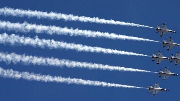 عزل قائد سرب العروض الجوية في سلاح الجو الأمريكي