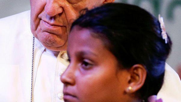 """البابا يستخدم كلمة """"روهينجا"""" علنا للمرة الأولى خلال جولة بآسيا"""