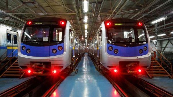 إيران تشتري عربات قطار من هيونداي الكورية بقيمة 720 مليون يورو