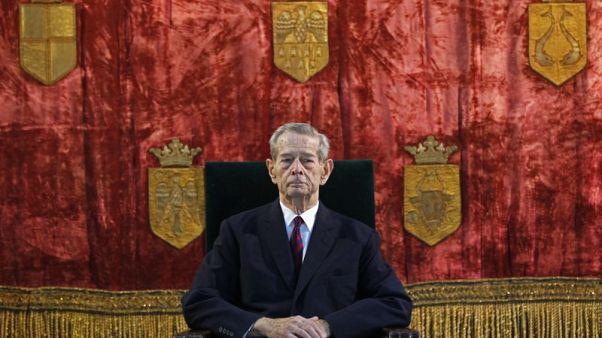 وفاة ملك رومانيا السابق ميخائيل في سويسرا عن 96 عاما