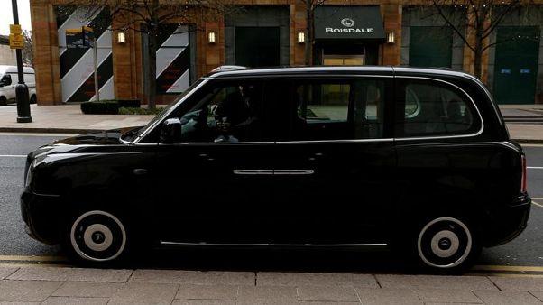نسخة كهربائية من تاكسي لندن الشهير تدخل الخدمة