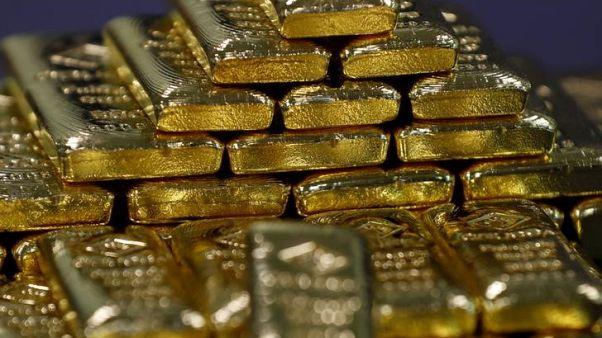 الذهب ينزل عن أعلى مستوى في 5 أسابيع مع انحسار التوتر التجاري