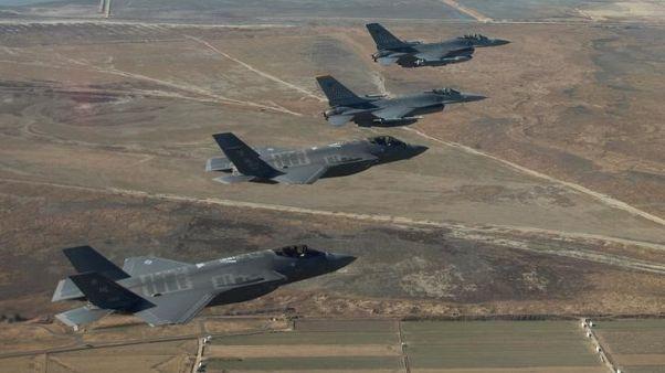 كوريا الشمالية تقول تهديدات أمريكا تجعل الحرب حتمية