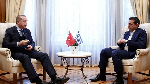 اليونان وتركيا تتبادلان انتقادات حادة أثناء زيارة إردوغان لأثينا