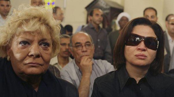 نادية لطفي تحصل على الدكتوراه الفخرية من أكاديمية الفنون في مصر