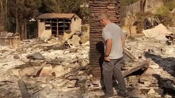 رجال الإطفاء المرهقون يتأهبون لأسبوع ثان من حرائق كاليفورنيا