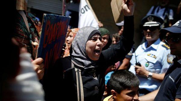 الأمم المتحدة تحذر من موجة جديدة للاجئين السوريين إلى أوروبا إذا توقفت المساعدات
