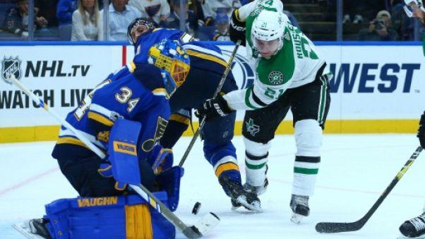 NHL: Antoine Roussel (Dallas) touché à un coude