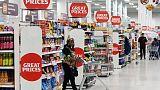 مسح: ثقة المستهلكين في بريطانيا تتراجع في ديسمبر