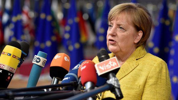 قادة الاتحاد الأوروبي يفشلون في تجاوز خلافاتهم بشأن اللاجئين