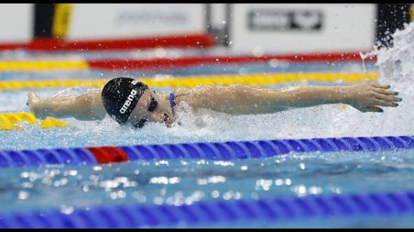 Nuoto: Bianchi argento 200 farfalla