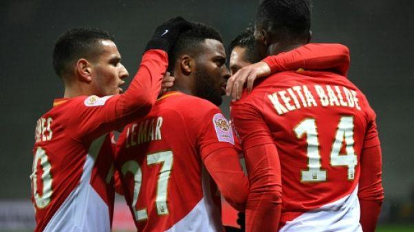 Ligue 1: Monaco met la pression sur Lyon et Marseille et enfonce Saint-Etienne
