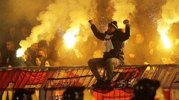 Serbia, 5 arresti per violenze derby