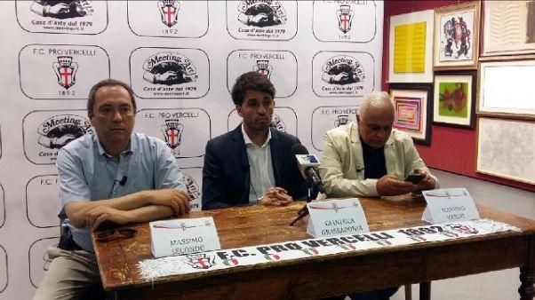 Pro Vercelli esonera tecnico Grassadonia