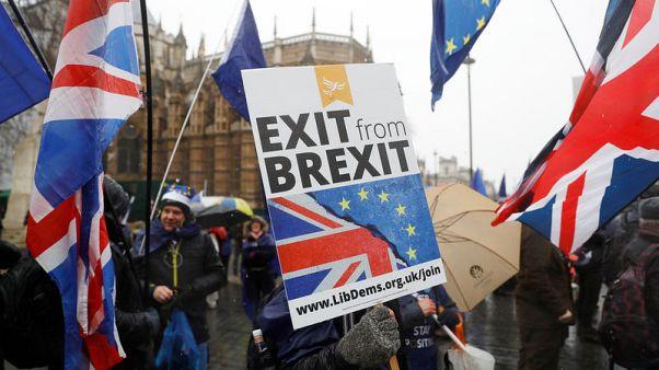 استطلاع-أكثر من نصف البريطانيين يريدون الآن البقاء في الاتحاد الأوروبي