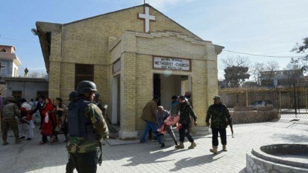 Pakistan: au moins cinq morts dans une attaque suicide contre une église (police)