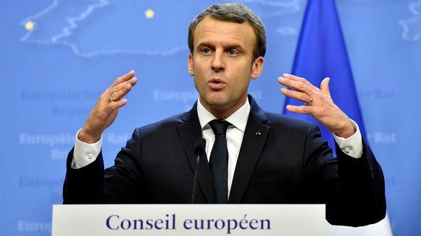 إيران تطلب من رئيس فرنسا ألا يتبع خطى ترامب