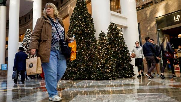 Shop early, shop often to avoid Christmas impulse buying - study