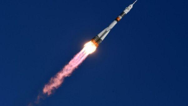 Un Soyouz s'amarre à l'ISS avec trois spationautes à bord