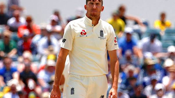 Overton says England will fight until the last in final two tests