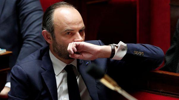 رئيس وزراء فرنسا يرد على انتقادات لتكاليف جولة خارجية