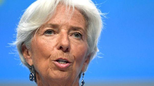 لاجارد: الانفصال عن الاتحاد الأوروبي يضغط على اقتصاد بريطانيا