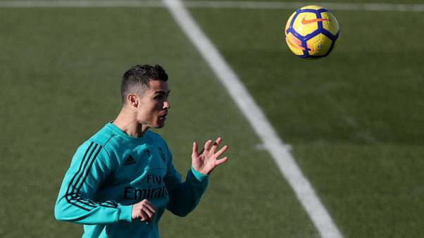 Ronaldo back in training one day before 'Clasico'