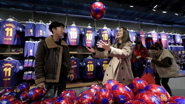 Soccer - Barca edge Real on income but Liga growth key to usurping United
