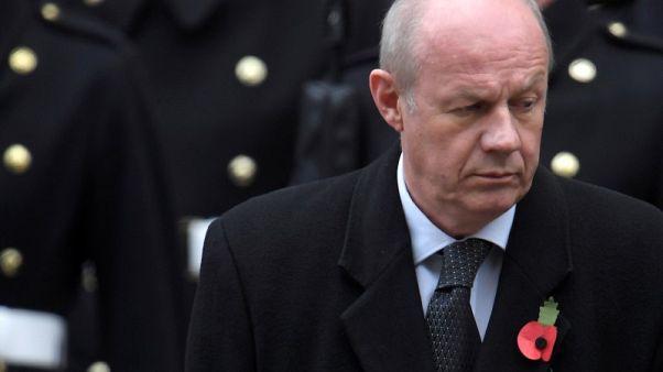 رئيسة وزراء بريطانيا تجبر نائبها على الاستقالة بعد فضيحة مواد إباحية