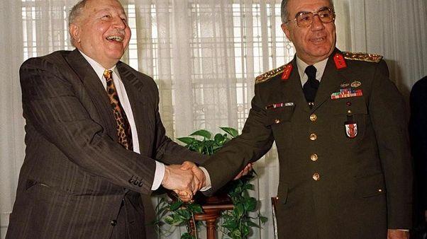 """تركيا تسعى لسجن 60 عسكريا سابقا فيما يتصل """"بانقلاب"""" عام 1997"""