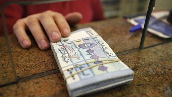 تحليل-عملة لبنان عرضة للتضرر من الصراع الإقليمي في ظل الربط بالدولار