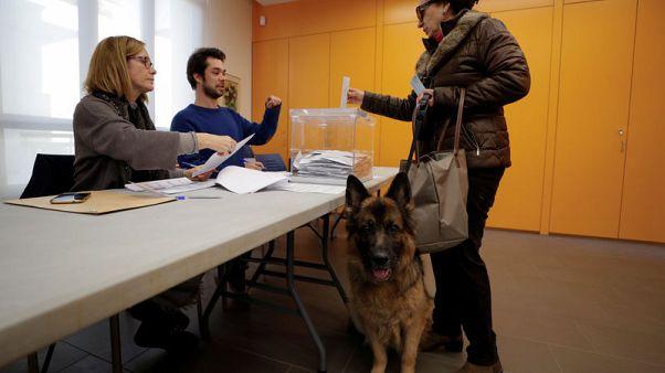 نتائج أولية: انفصاليو قطالونيا بصدد الاحتفاظ بالأغلبية في برلمان الإقليم