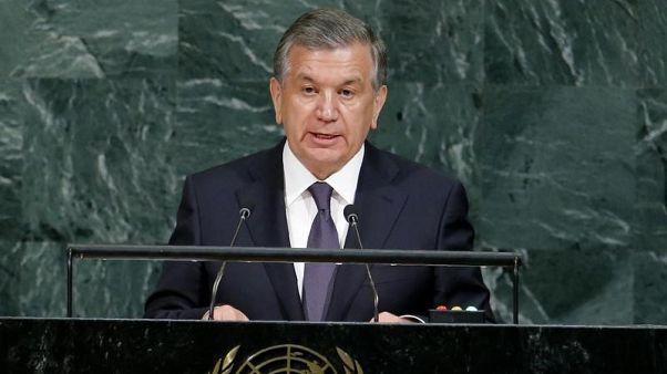"""رئيس أوزبكستان يقول إن بلاده أعلنت بيانات اقتصادية """"وهمية"""" لسنوات"""