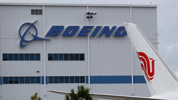 Big Boeing, Airbus strategies drive small plane deals