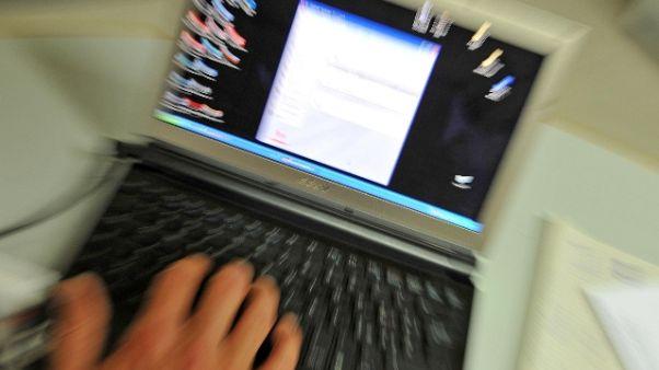 Odio online, 2017 di lotta per i big web