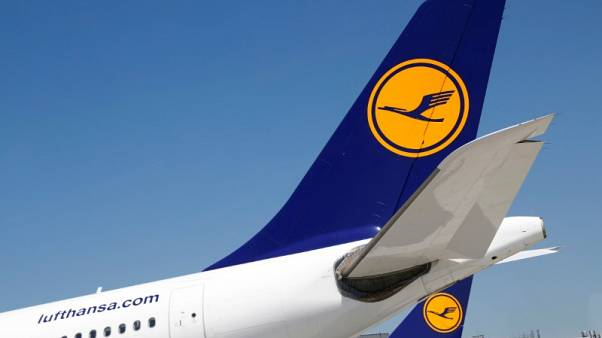 Air Berlin collapse added to Lufthansa's Q4 revenues -CEO