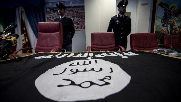 Donna arrestata, innamorata uomo Isis