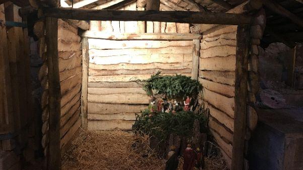 Natività tra macerie Basilica di Norcia