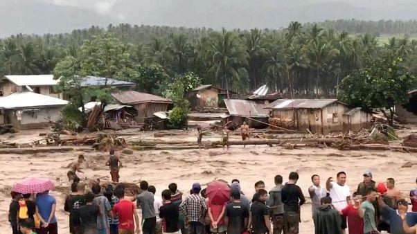 فيتنام تتأهب للإعصار تمبين بعد أن أودى بحياة 230 في الفلبين